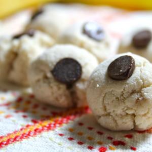 Healthy Cookie Dough Bites (For Breakfast?!?!?)