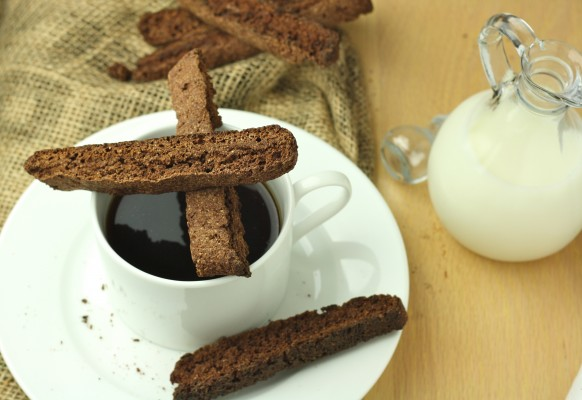 My Favorite Healthy Chocolate Bisoctti